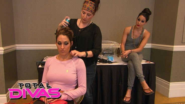 The Bellas discuss the Divas' issues with Eva Marie: Total Divas Bonus C...