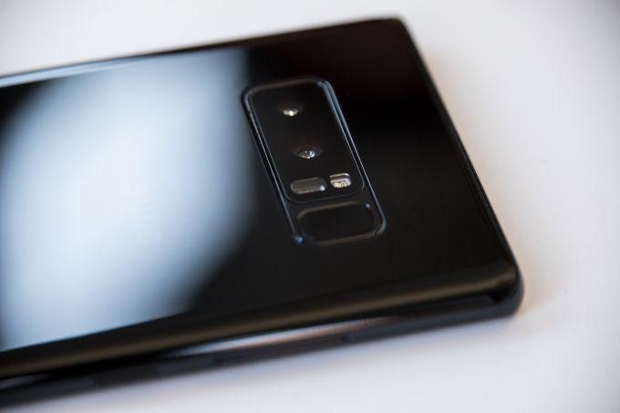 Galaxy Note 8 ties iPhone 8 Plus in camera tests