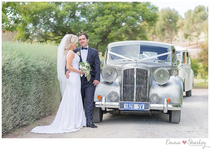 Adelaide Wedding inspiration White wedding Gown Floral Inspiration Bride and Groom Long White Veil Wedding Inspo Wedding Photography Emma Sharkey Winery Wedding Paxton Wines Marquee Wedding How Sweet It is Cake