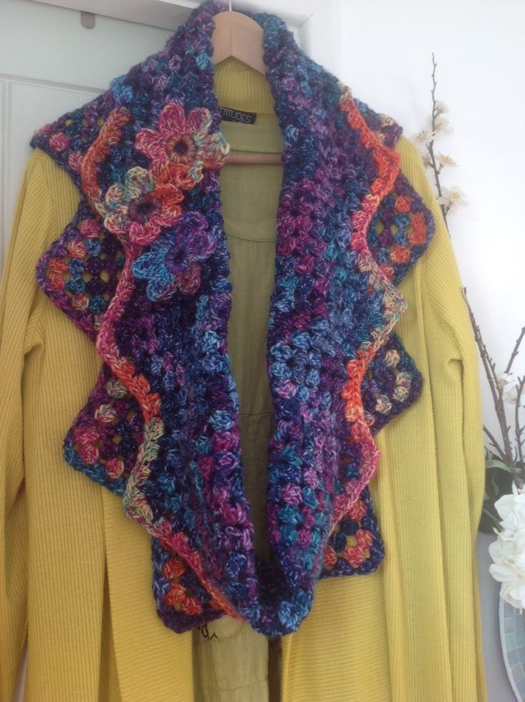 Carnival Granny Ripple cowl CROCHET Pinterest Crochet, Shawl and Scarves