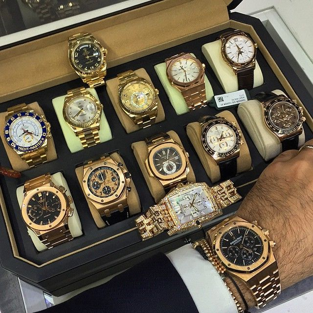 Rolex Yatchmaster II, 2 Day-Dates, Day-Date, SkyMaster, Audemars Piguet Royal Oak, Patek Philippe, Hublot Big Bag, Audemars Piguet Royal Oak Offshore Chronograph, Patek Philippe Nautilus Chronograph, 2 Rolex Cosmograph Daytonas, and and Audemars Piguet Royal Oak Chronograph on the wrist... I forget what the one in the front is..