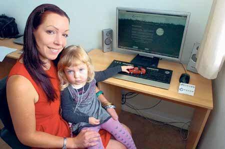 Saija Mahon with her daughter Naomi