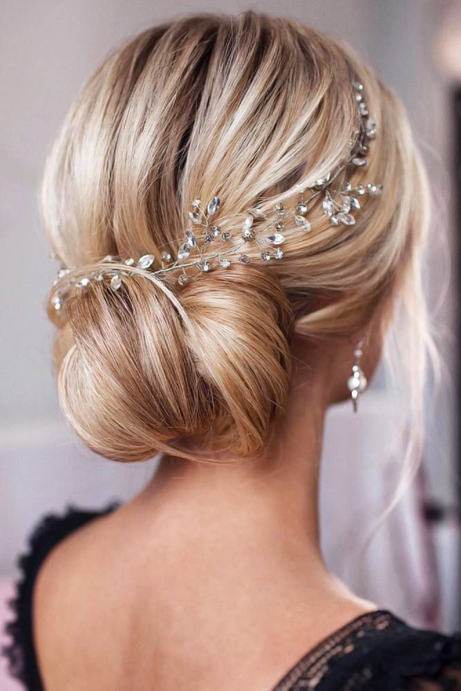 15 Ideas To Embellish Your Wedding Hairstyle With Hair Jewelry Elegant Wedding Hair Wedding Hairstyles Updo Wedding Hair Clips