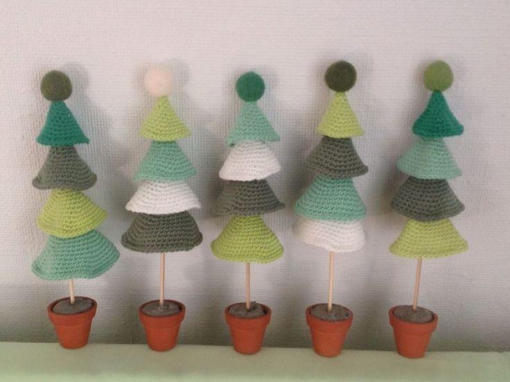 Små hæklede juletræer