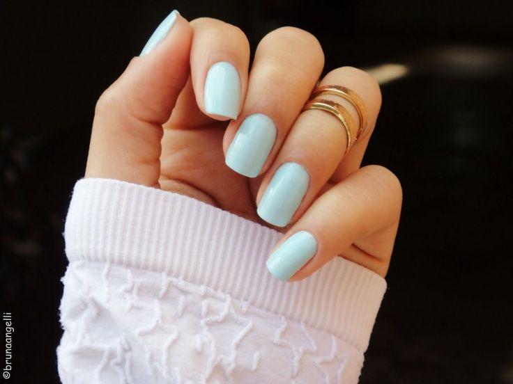 Unhas Candy Color.  Blue nails.
