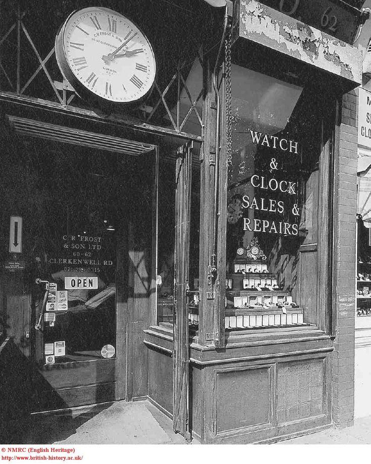 Nos 60–62 Clerkenwell Road, shopfront