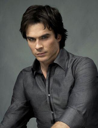 The Vampire Diaries  Vampiros sexis y ¡¡peligrosos!! Nada castos, beben sangre y matan gente.