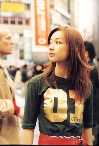 Tomiko Van / 伴都美子