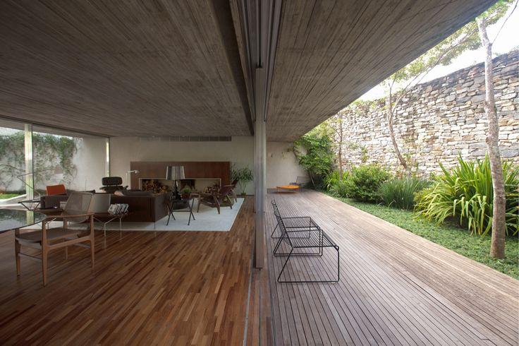 Chimney House - Living Room/ Patio