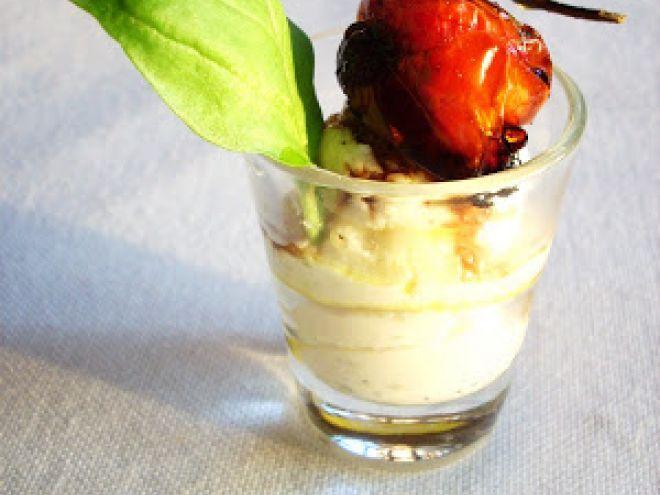 Mousse al grana padano con aceto balsamico e pomodorini al forno