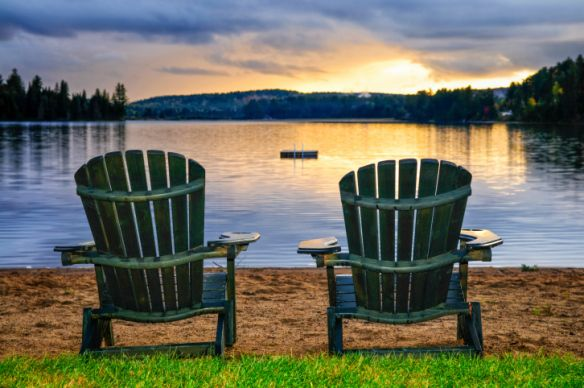 10 fall decor tips - seasonal prep: Chairs Paintings, Wooden Chairs, Algonquin Provincial Parks, Beaches Chairs, Chairs Artists, Wooden Beaches, Lakes, Beaches Retreat, Chairs Design