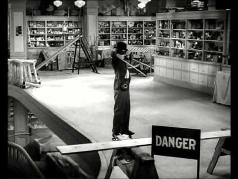▶ Tiempos Modernos (Charles Chaplin) completa, español - YouTube