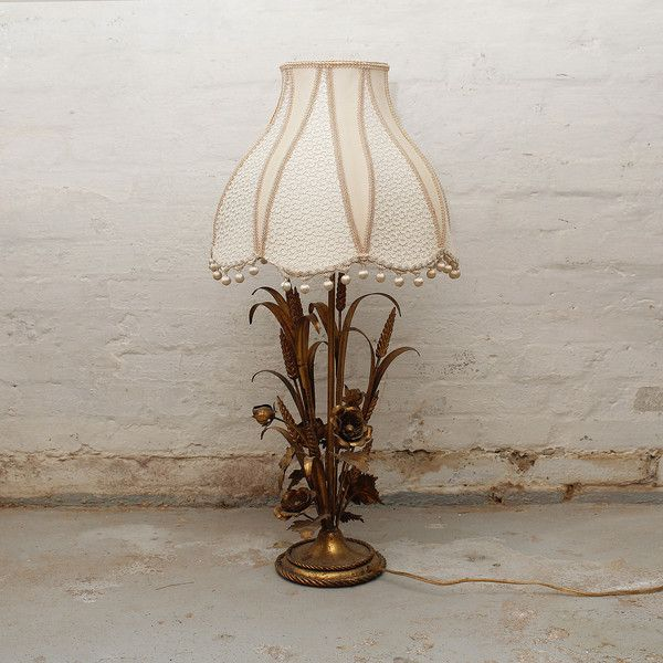 Large table lamp origins from Italy  H: 78 cm