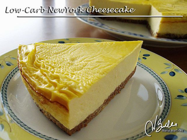 Sugar-free, Low-Carb New York Cheesecake, Dukan diet friendly (Cruise phase). Easy and delicious. Get the recipe.