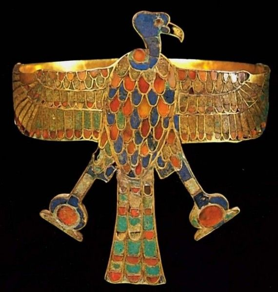 Диадема царицы Сат-Хатхор-Иунит. Ок. 1800 до н. э.