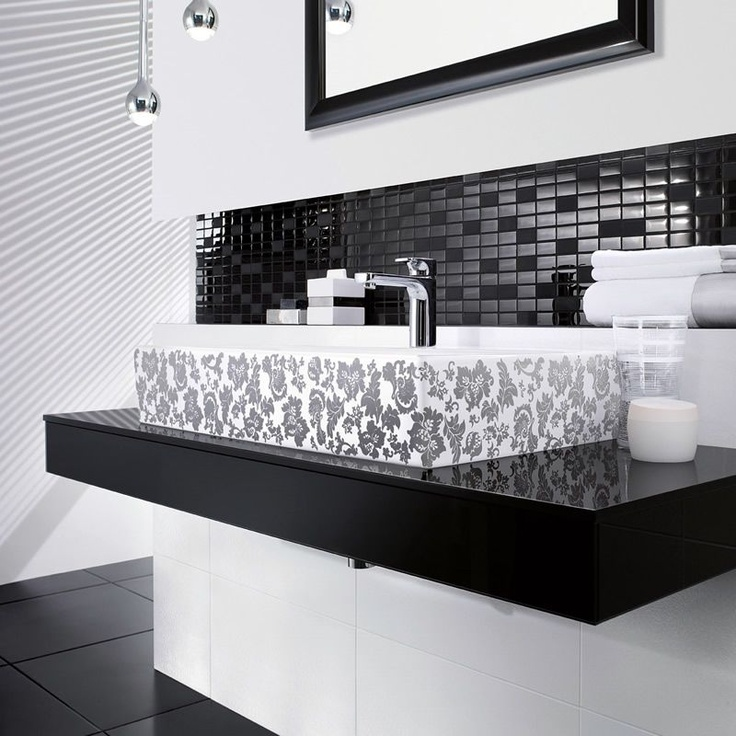 V & B Bianco Nero Glass Decor Tile 1043 (30 x 30cm)
