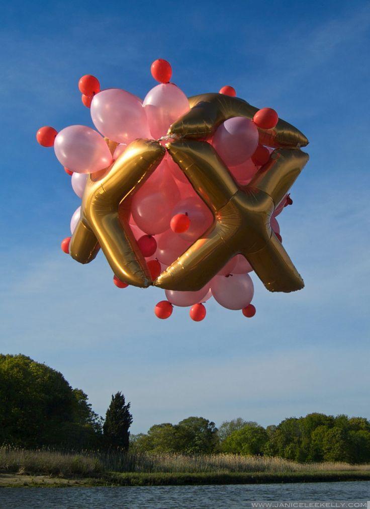 actegratuit u201c floating balloon sculptures by Janice