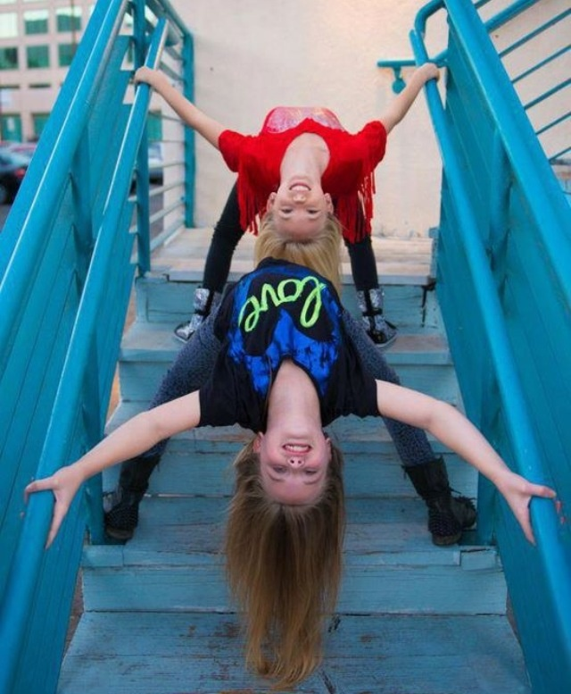 Jordyn Jones and Mia Diaz. I want to do this with one of my friends!