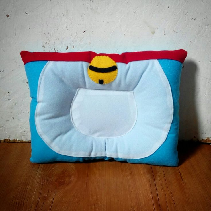 Felt baby pillow, doraemon pillow. Bantal peyang