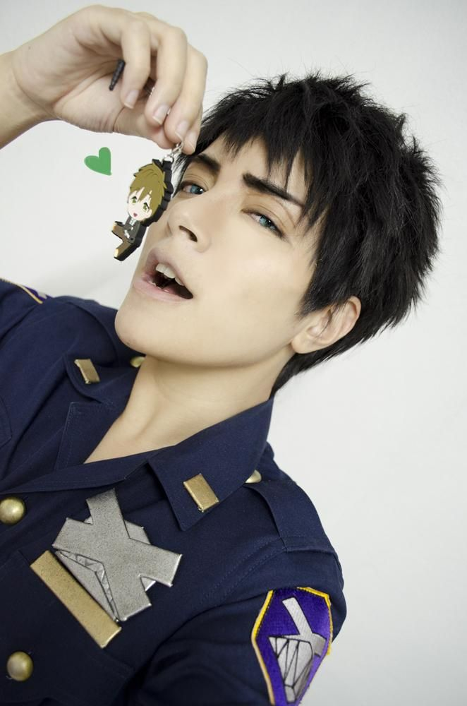 I don't know what I'm more mad at. I'm mad at this being the SEXIEST cosplay of Sousuke ever!! And the fact that it's depicting my OTP. Soooo mad.