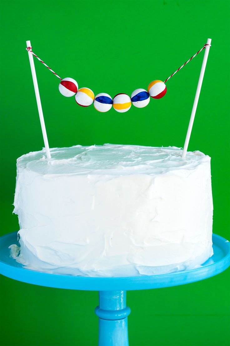 Beach Ball Cake Topper.  What a simple, fun summer idea!