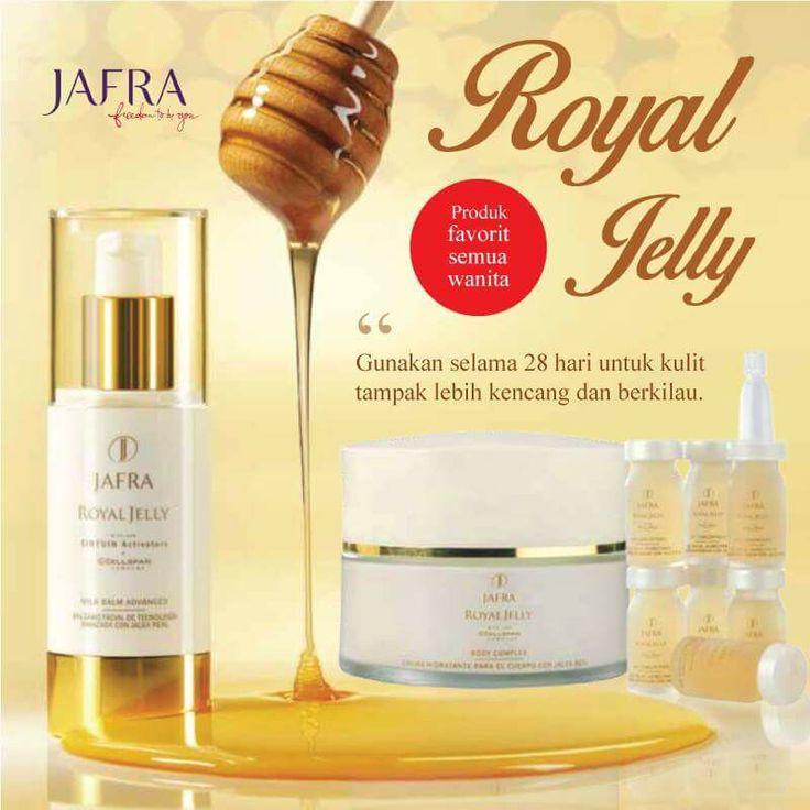 Royal Jelly pnya sgudang mnfaat utk kulit. Cairan yg dhsilkn oleh lebah ini mngandung mineral, antioksidan dan vitamin B Kompleks, B5 yg baik utk mnutrisi kulit. Satu lg yg tk klah pntg, kndungn asam amino yg brfngsi mnghslkn kolagen utk mncegah penuaan dini. Semua mnfaat tsb bs km dptkn dlm rangkaian produk JAFRA Royal Jelly.