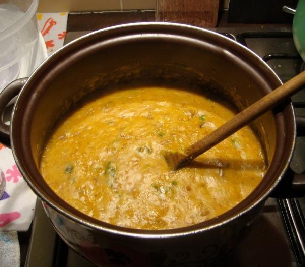 Aprenda a preparar vatapá de frango com esta excelente e fácil receita. O vatapá de frango é um cozido cremoso, de origem tupi, muito popular no nordeste brasileiro....