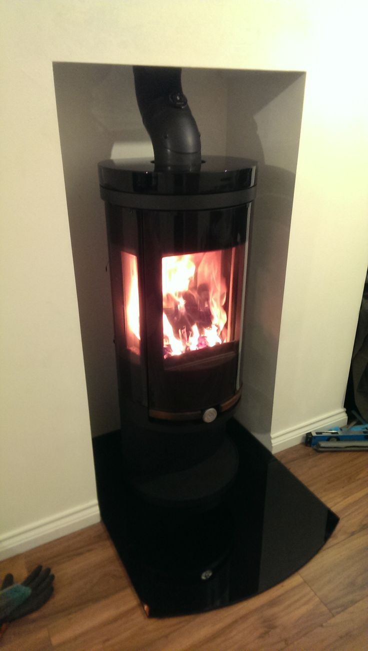 Dan Skan Modus Multi Fuel Stove with Full Black Gloss Ceramics.