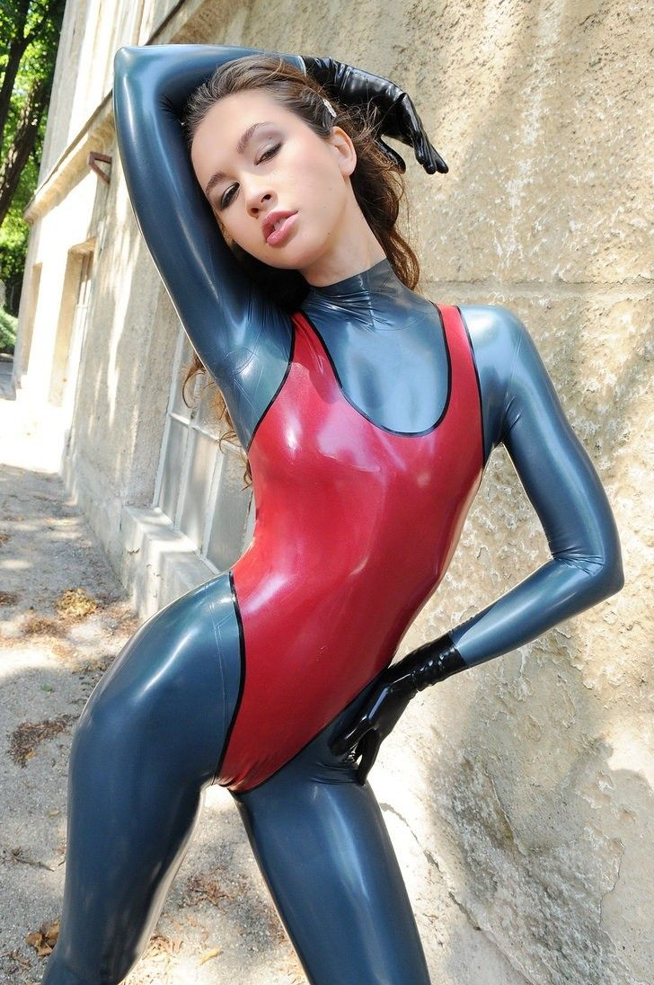 Latex Porns