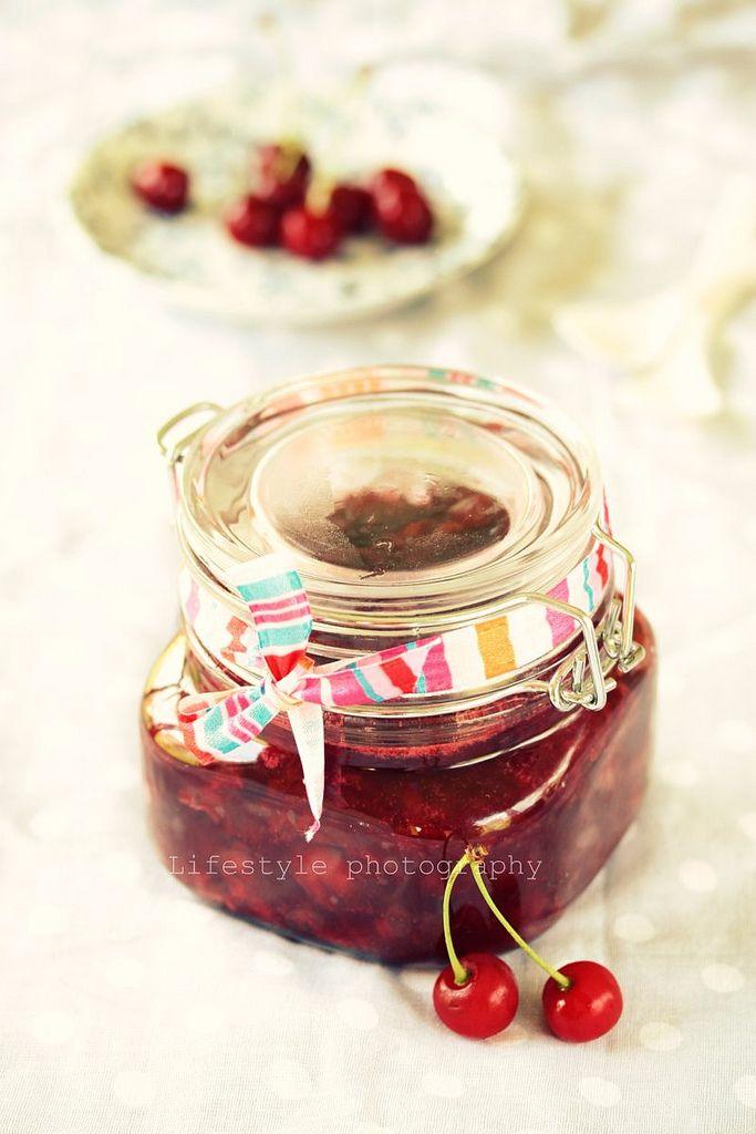 Raw sour cherries jam