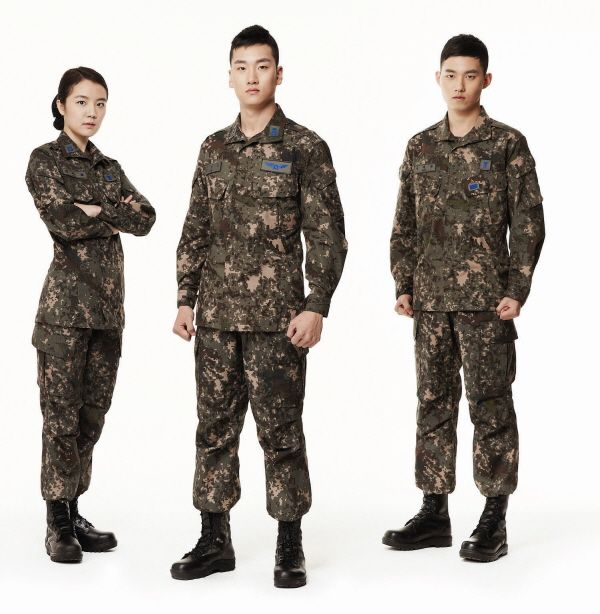 2014년 바뀐 공군 복제!  간지나는 파란색 계급장이 포인트!