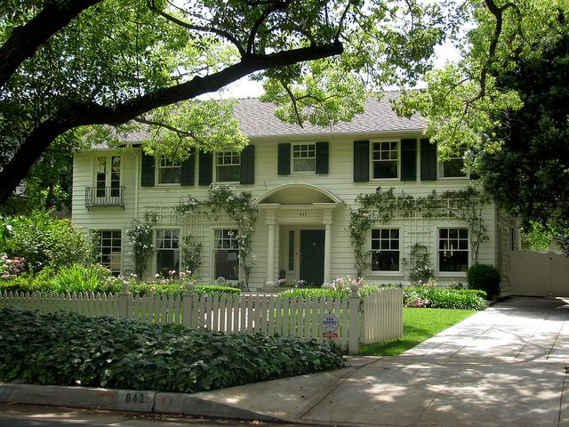 Best 25 colonial style homes ideas on pinterest for Father of the bride house plan