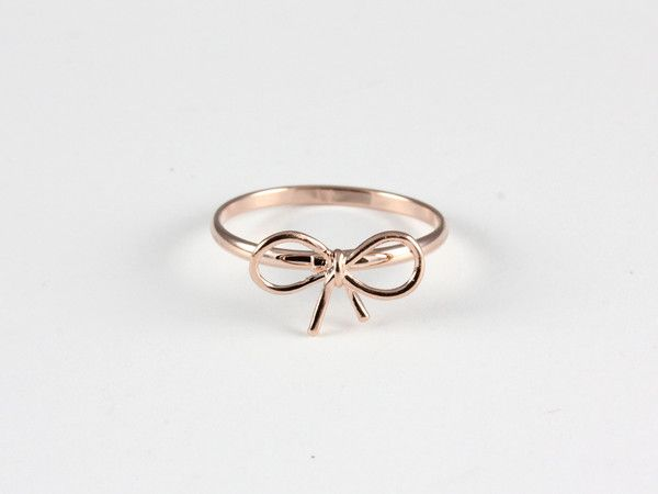 Bow Ring - simple yet gorgeous @Rebecca Kahler Miss Apple