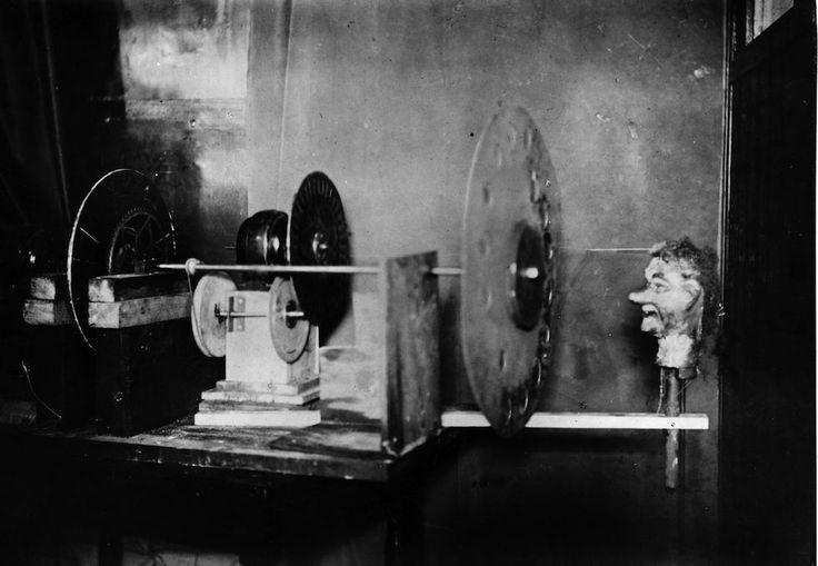 La prima dimostrazione di televisione, 90 anni fa - Il Post