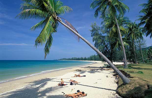Koh Lanta. Het eiland is een stuk rustiger dan de andere eilanden en heeft prachtige stranden en snorkel- en duikplekken.