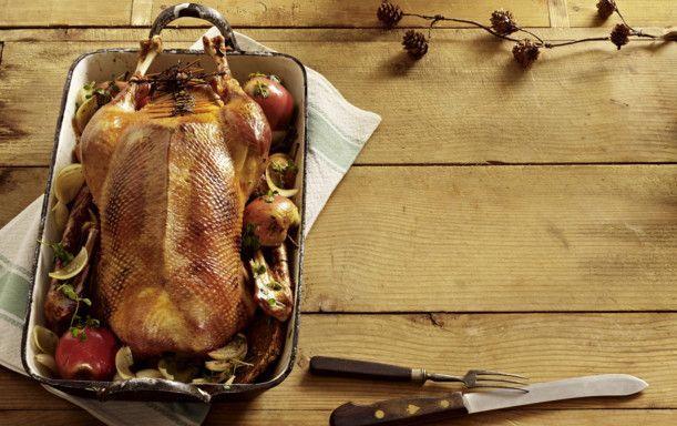 Unser beliebtes Rezept für Weihnachtsgans mit Apfel-Rotweinsoße und mehr als 55.000 weitere kostenlose Rezepte auf LECKER.de.