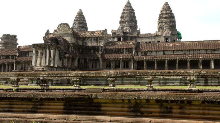 ANGKOR VAT: Reiseguidespesialisten Lonely Planet har kompilert en liste over de 500 beste reisemålene i verden, og på toppen troner tempelbyen Angkor Vat i Kambodsja. Foto: NTB Scanpix