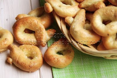 Taralli - very common in Southern Italy, especially in the Puglia region - are similar to pretzels. Before baking them, you should drop th...