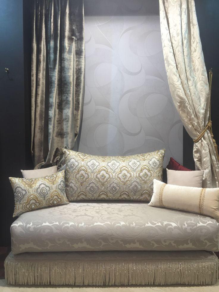Les 25 meilleures id es de la cat gorie mobilier marocain for Salon marocain blanc