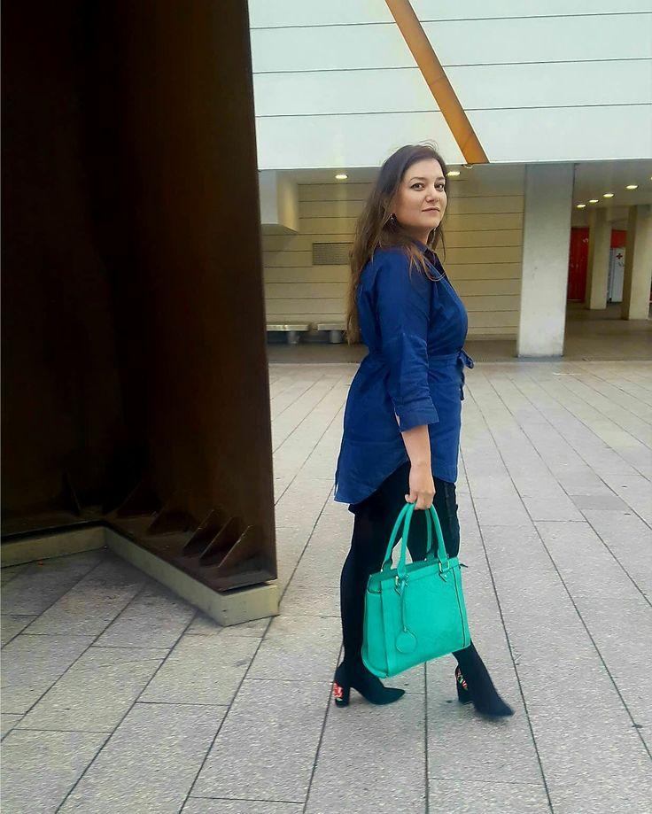 #happystyle #embroideries #bordados #bordadosamano #fashion #style #stylish #love #instafashion #instagood #photooftheday #clothes #wiw #mylook #fashionista #todayimwearing #instastyle #outfitpost #fashionpost #todaysoutfit #fashiondiaries #glam #stylish #me
