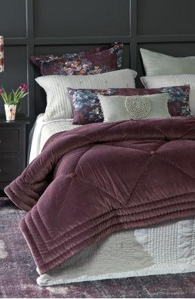 petipa aubergine comforter