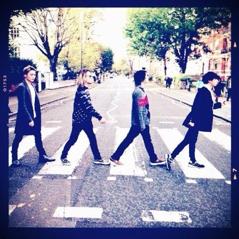 One Ok Rock in Abbey Road, London - European Tour 2013 Close enough Hahahaha