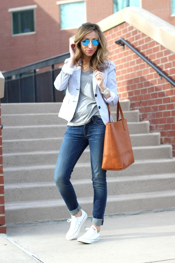 Love this casual yet pulled together look