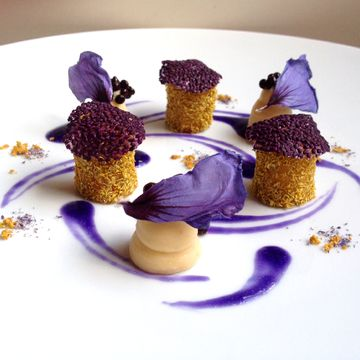 Recipe | Parsnip with Chamomile, Parsnip Cream with Anise, Black Garlic Pearls, Chia Seed Leafs & Red Cabbage Sauce #plating #presentation