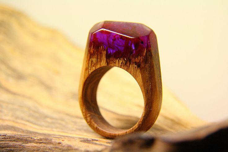 "Amazing Purple Resin Wood Ring ""Pink sunset"". Ecopoxy Resin Jewelry, Natural Wood Jewelry, Organic Jewelry, Tree band ring by NellyRomanova on Etsy"