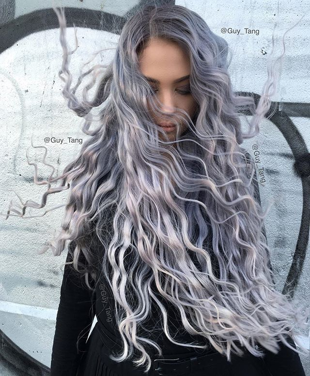 Long healthy hair of Silver Metallics and Violet booster! My model Lisa in Australia is so much fun @olaplex @olaplexau @kenraprofessional @lisamitrov @colourwithbrooke @mattellis14