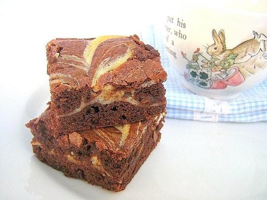 cream cheese marbled brownies... | Food Yum | Pinterest