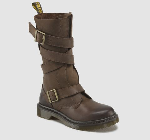 Let me get my Katniss Everdeen on with these drool worthy boots! LAUREN | Womens | Official Dr Martens Store - US
