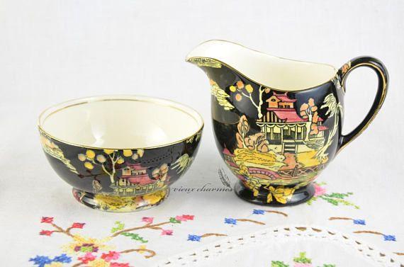Royal Winton Grimwades Pekin sugar bowl and