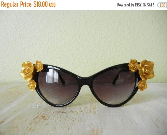 SALE The Betty's Cat Sunglasses  Rose Floral Cat by GracedVestige